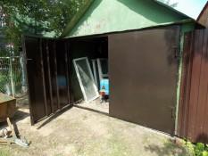 Замена гаражных ворот в старом стальном гараже Солнечногорск