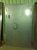 Входная дверь в подъезд с кодовым замком