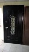 Ковка художественная для отделки дверей со стеклом