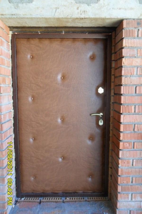 железная дверь на дачу в клину