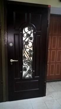 Стальная дверь с двойным уплотнением