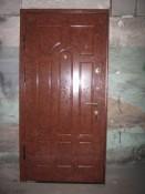 Дверь металлическая с глянцевой антивандальной пленкой