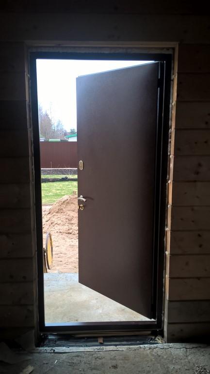 металлическая дверь звенигород