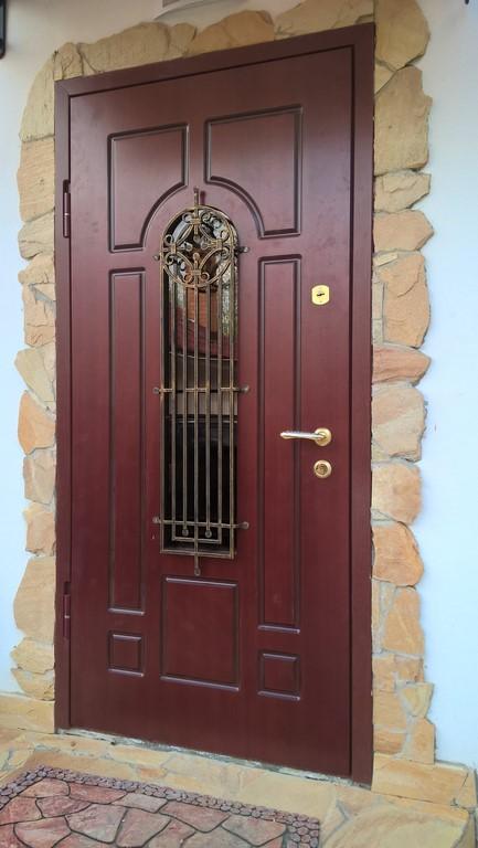 двери стальные лобне